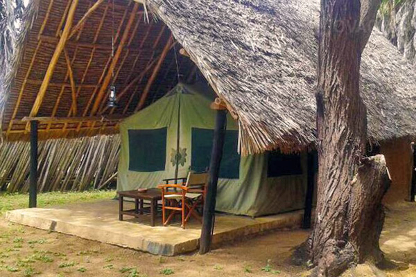 Epiya Chapeyu Tented Safari Camp